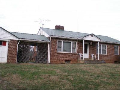 Single Family Home For Sale: 512 N. Dugger Road