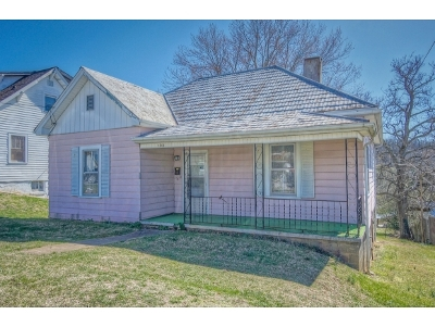 Bristol Single Family Home For Sale: 1203 Massachusetts Ave