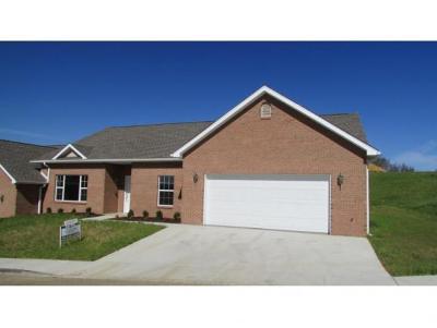 Condo/Townhouse For Sale: 128 Southridge #1
