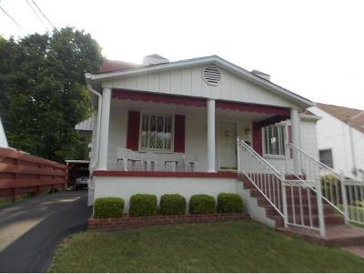 Bristol Single Family Home For Sale: 116 Douglas Street