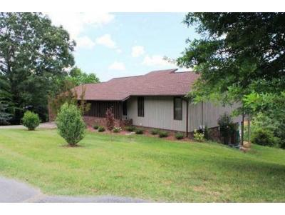 Single Family Home For Sale: 148 Manchester Pl