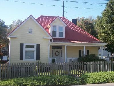 Bristol Single Family Home For Sale: 842 Hill Street