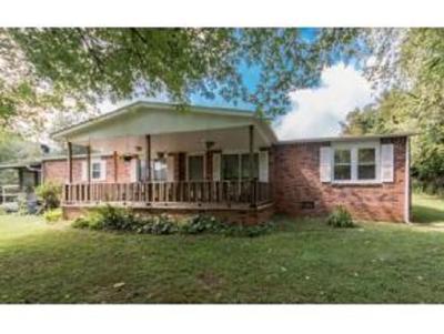 Abingdon Single Family Home For Sale: 14242 Porterfield