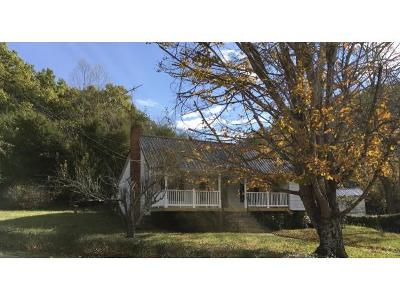 Single Family Home For Sale: 900 West Pines Rd