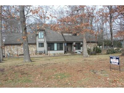 Bristol Single Family Home For Sale: 5829 Old Jonesboro Road
