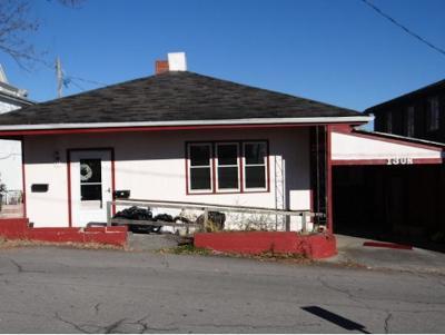 Abingdon Single Family Home For Sale: 130 N. Wall Street