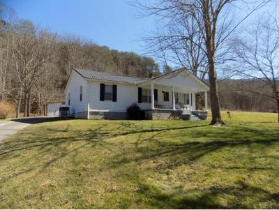 Single Family Home For Sale: 1416 Hwy 31