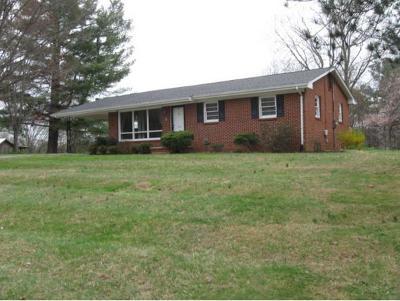 Jonesborough Single Family Home For Sale: 408 Hillrise Dr