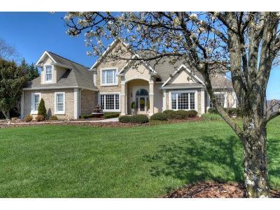 Jonesborough Single Family Home For Sale: 122 Chestnut Ridge Dr