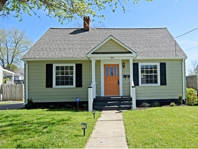 Bristol VA Single Family Home For Sale: $114,900