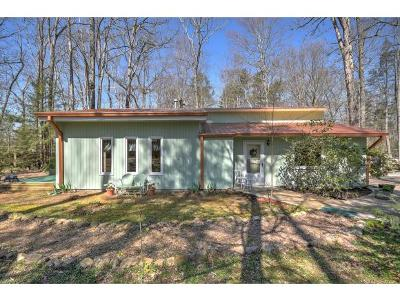 Bristol Single Family Home For Sale: 201 Woodland Circle