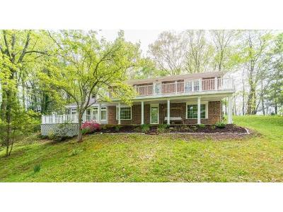 Bristol Single Family Home For Sale: 334 Sperry Circle
