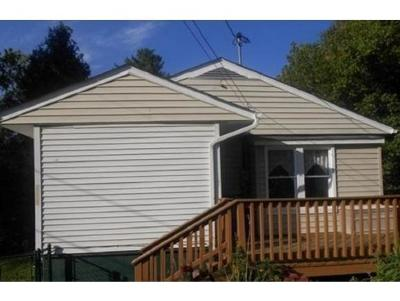 Kingsport TN Single Family Home For Sale: $68,900