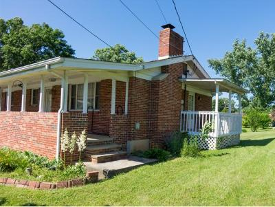 Bristol Single Family Home For Sale: 300 Orchard Drive