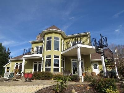 Abingdon Single Family Home For Sale: 25586 Cornelius