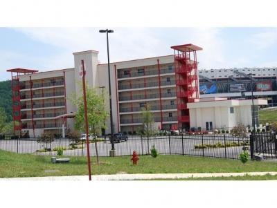 Bristol Condo/Townhouse For Sale: 120 Raceday Center #105