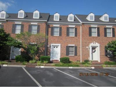 Johnson City Condo/Townhouse For Sale: 400 Sunset Dr #C-13