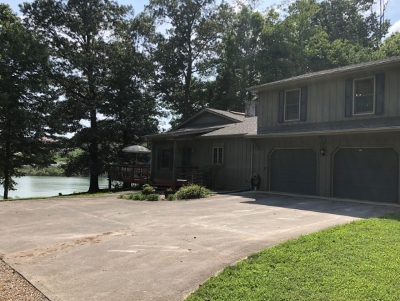 Piney Flats Single Family Home For Sale: 636 Baywood Dr