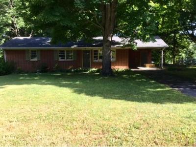 Single Family Home For Sale: 4001 E. Englewood