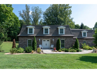Single Family Home For Sale: 302 Upland Way