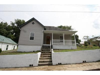 Bristol Single Family Home For Sale: 112 Marion Ave.