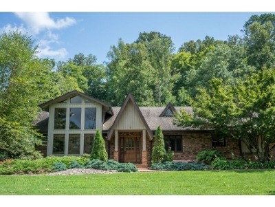 Bluff City Single Family Home For Sale: 4953 Weaver Pike