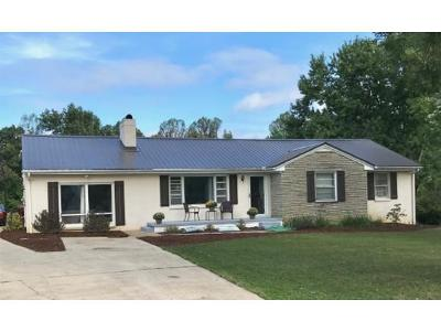 Johnson City Single Family Home For Sale: 1400 Ridgecrest Rd