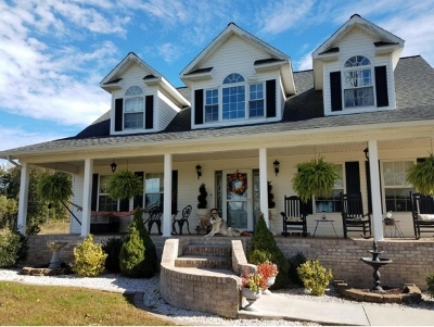 Single Family Home For Sale: 1911 Chinquipin Road