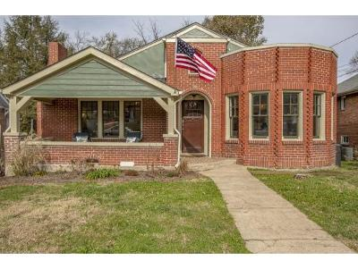 Bristol Single Family Home For Sale: 215 Taylor St.