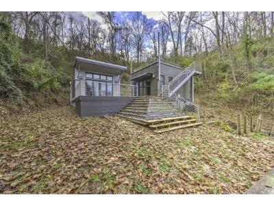 Single Family Home For Sale: 927 Red Bud Lane