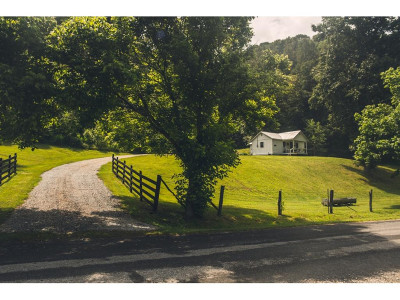 Damascus, Bristol, Bristol Va City Single Family Home For Sale: 3130 Swinging Bridge Rd