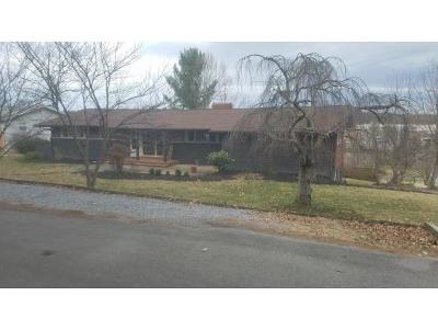 Single Family Home For Sale: 109 McCormick Circle