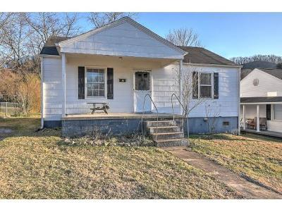 Bristol Single Family Home For Sale: 2632 Bay St