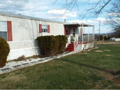Single Family Home For Sale: 637 Hodge