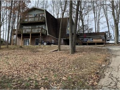 Greeneville Single Family Home For Sale: 102 Whispering Oaks Lane