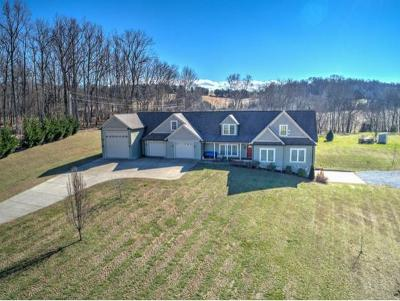 Single Family Home For Sale: 585 Sugar Hollow Road