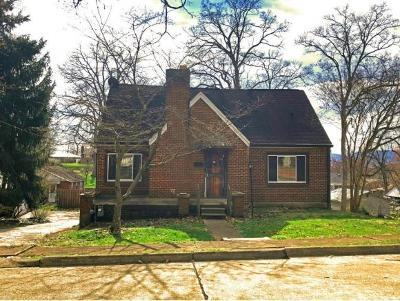 Single Family Home For Sale: 2224 Cypress Street