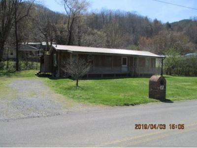 Jonesborough Single Family Home For Sale: 330 Clarks Creek Road