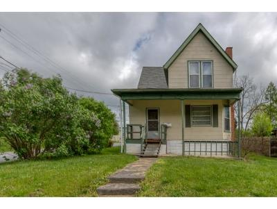 Bristol Single Family Home For Sale: 1133 Hill St