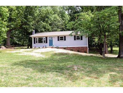 Jonesborough Single Family Home For Sale: 153 Woodland Circle