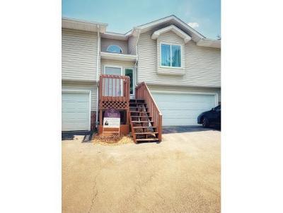 Johnson City Condo/Townhouse For Sale: 105 Cedar Grove Road #2