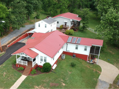 Kingsport Single Family Home For Sale: 5000 Memorial Blvd