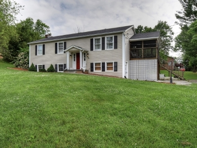Jonesborough Single Family Home For Sale: 285 Overhill Dr