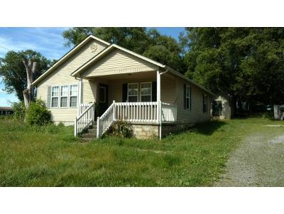Single Family Home For Sale: 150 Caughorn Dr