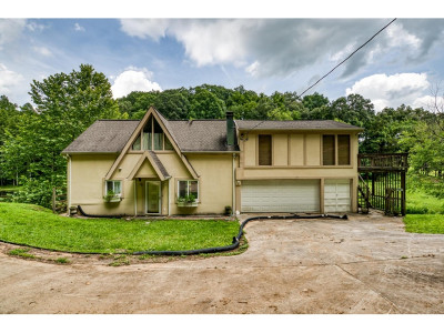 Single Family Home For Sale: 174 Whispering Oaks Drive