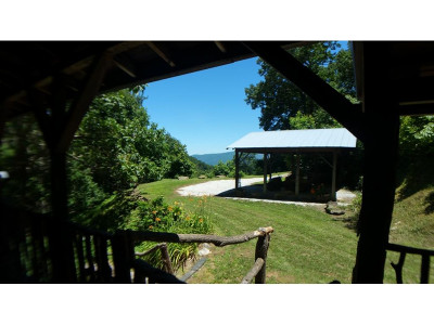 Little Switzerland NC Single Family Home For Sale: $389,000