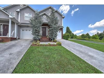 Condo/Townhouse For Sale: 200 Deck Lane #805