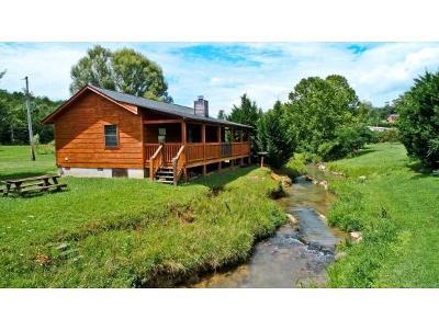 Newport Single Family Home For Sale: 1639 Cedar Haven Way