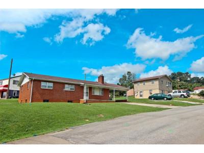 Newport Multi Family Home For Sale: 105 Converse