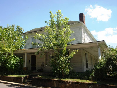 Jonesborough Single Family Home For Sale: 214 E Main Street
